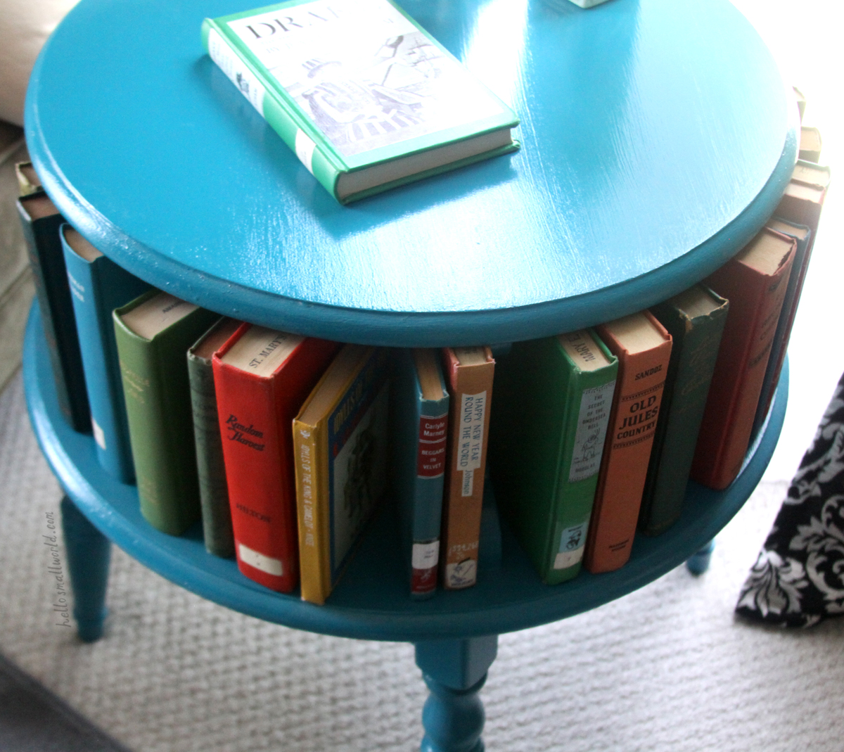 colorful vintage books styling ideas